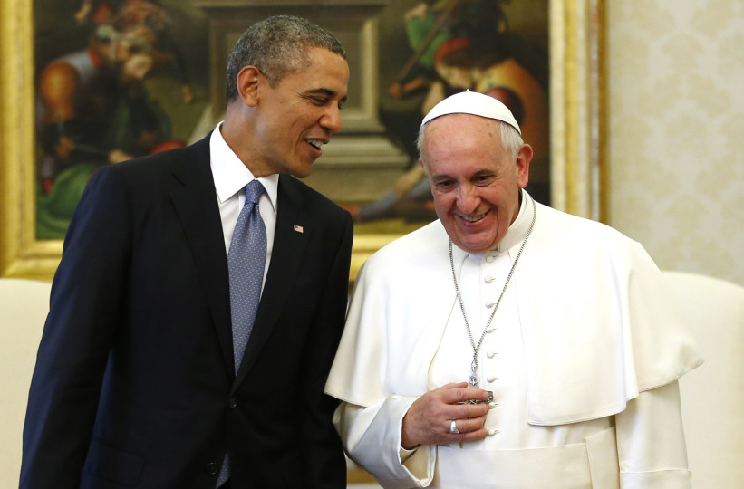U.S. President Barack Obama talks to Pope Francis during their meeting at the Vatican March 27, 2014. Obama highlighted growing gaps between rich and poor ahead of his first meeting on Thursday with Pope Francis, an event that was expected to focus on the fight against poverty and skirt moral controversies over abortion and gay rights. REUTERS/Kevin Lamarque  (VATICAN - Tags: POLITICS RELIGION) - RTR3ITKX